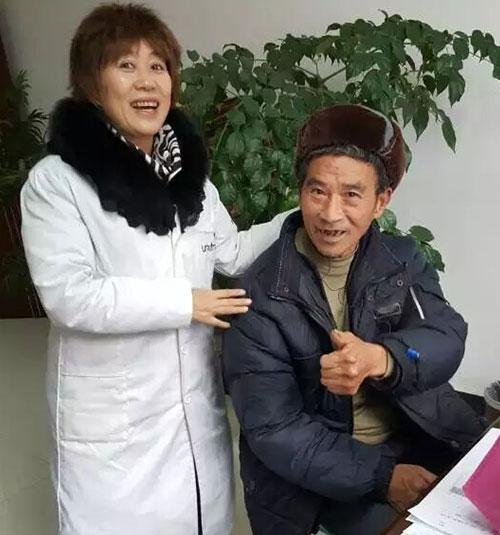 爱心听力验配师为61岁的彭水聋哑人配上了助听器