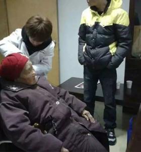 爱心听力为刚满百岁老人配上了助听器